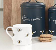 im3603-bees-white-large-mug-lifestyle-high-res-square_720x