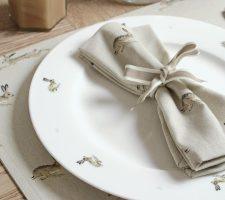 plha040-hare-dinner-plate-lifestyle-high-res-web__image_00559045-b02e-4613-9feb-4c7f1df899b7_720x